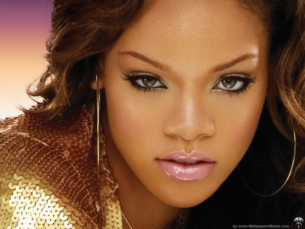 Extrêmement Rihanna Adopte Une Nouvelle Couleur De Cheveux - Le blog de ferrro XT47
